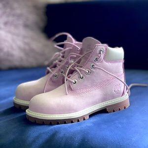 Soft pink 🌸girls timberland boots